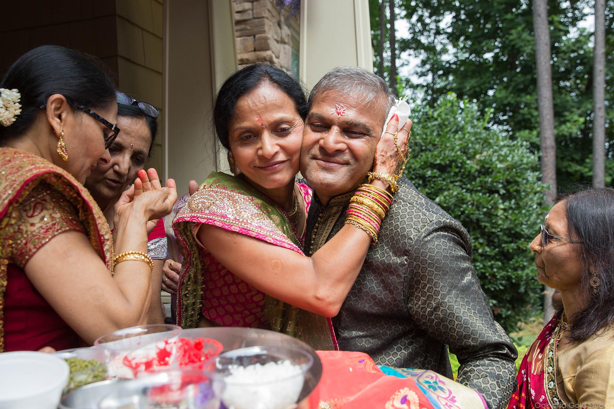 hindu_welcome_brides_side