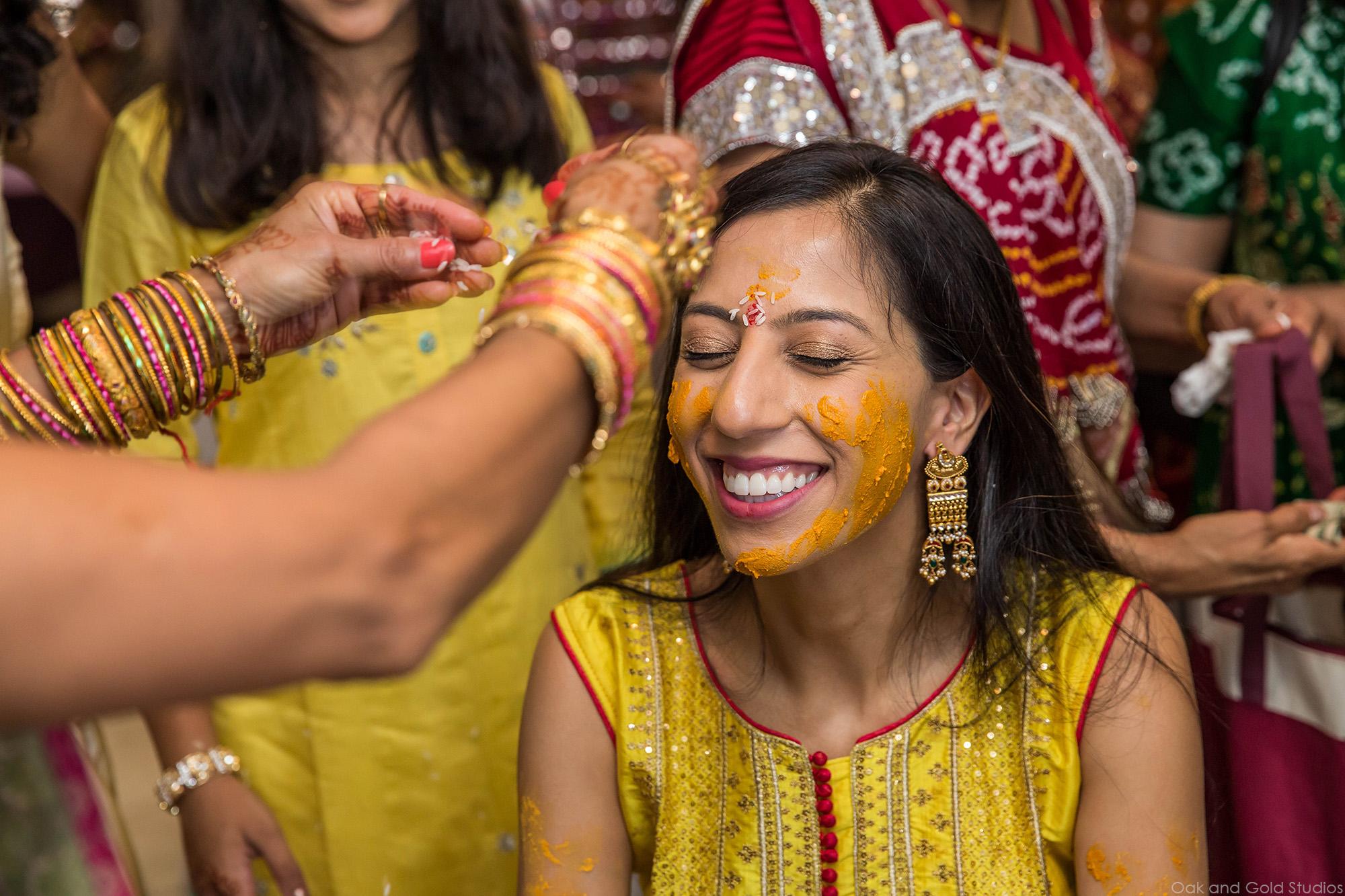 Bride_pithi_laugh