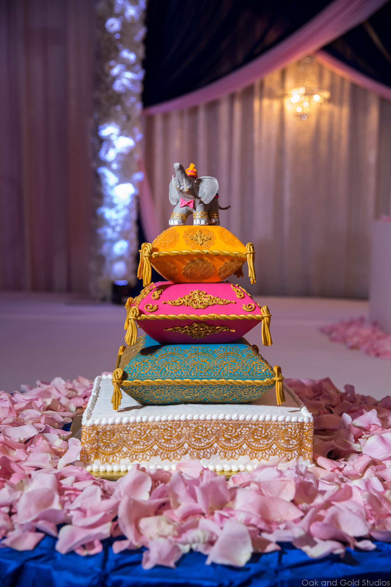This cake was made by the bride - Roshni. And no, she isn't a professional baker. Can you say TALENT?!