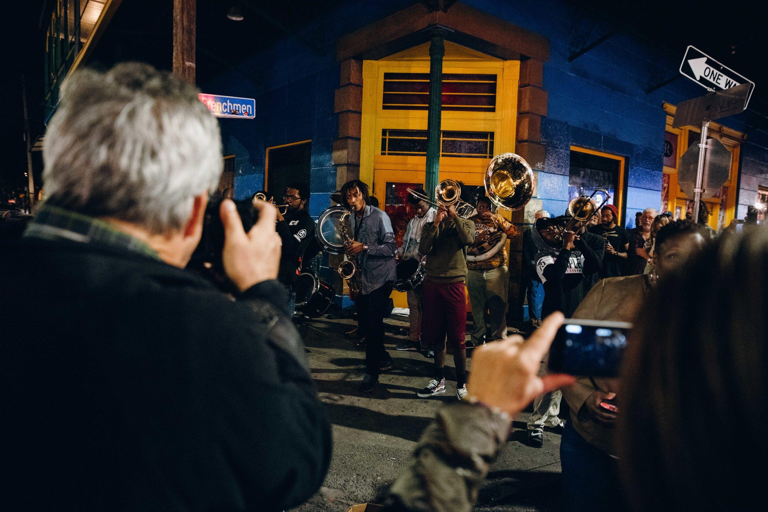 Fanfare de rue sur Frenchmen.