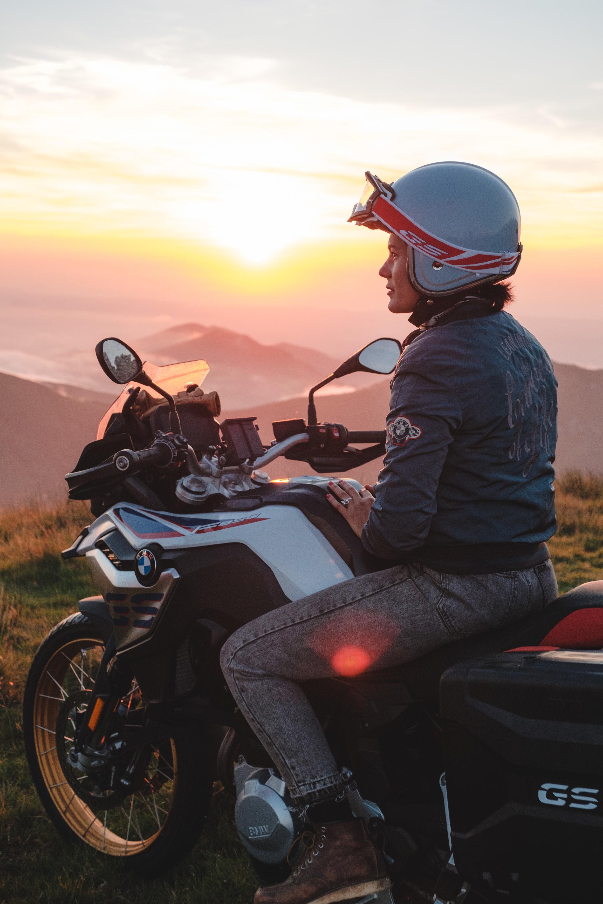 BMW-Motorrad-Posts-14.jpg