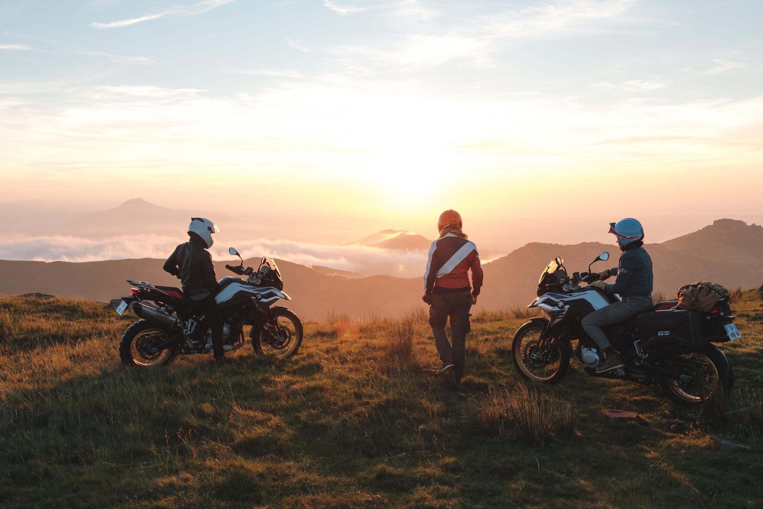 BMW-Motorrad-Posts-6.jpg
