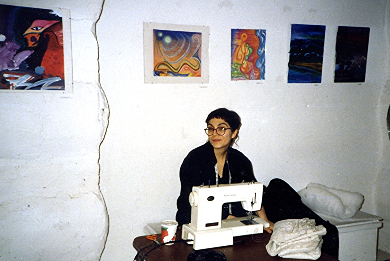photo_hanging 1996001.jpg