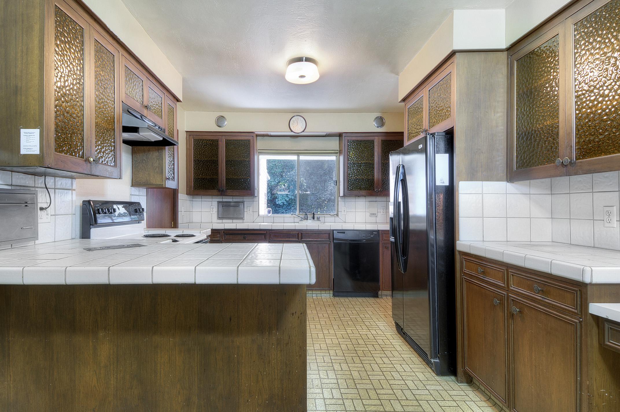 kitchen1c.jpg