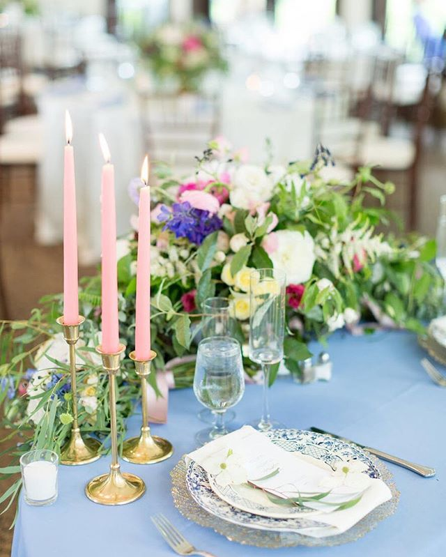 Brunch on my mind! 🥂 Take me back to A + A's beautiful garden-inspired brunch wedding! What a super fun day, filled with lots of love, pretty details, and delicious food! — design: @abeyoutifulfete   photo: @bdphotos   flowers: @petalsandhedges   venue: @whitehallestate . — #flowers #tablescape #placesetting #tapercandles #virginiawedding #sundayfunday #simpleelegance #simplicity #elegance #gatheringslikethese #stylemepretty #brunchwedding #bluemontwedding #florals #imengaged #itsallinthedetails #instalove #somethingblue #collaborations #ilovemyjob #shadesofblue #abfexperience #abeyoutifulfete #dailydoseofpaper #floraldesign #centerpieces #brunchsundays #brunch #spring