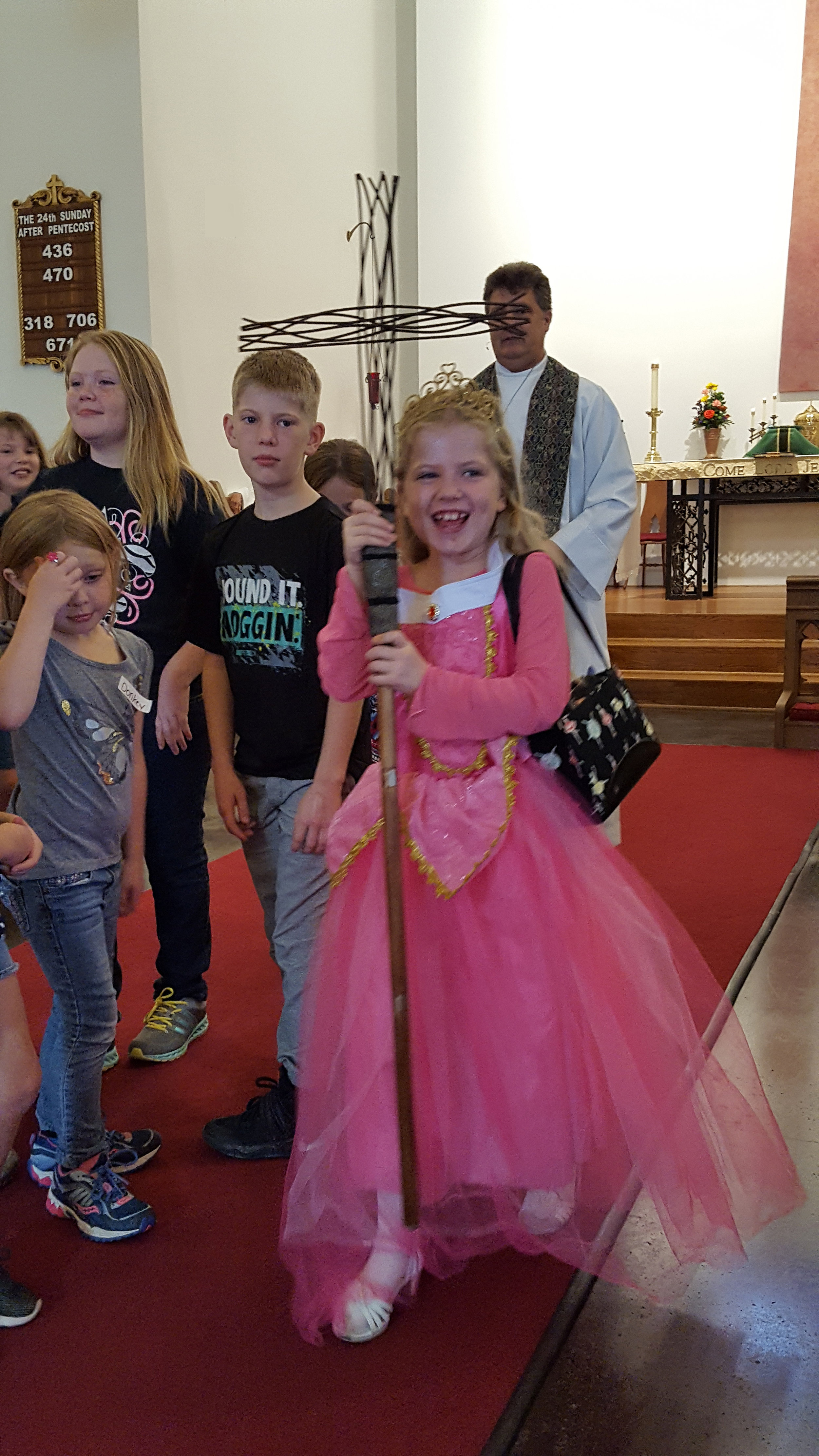 Children_Church_Procession_20161030_103906.JPG