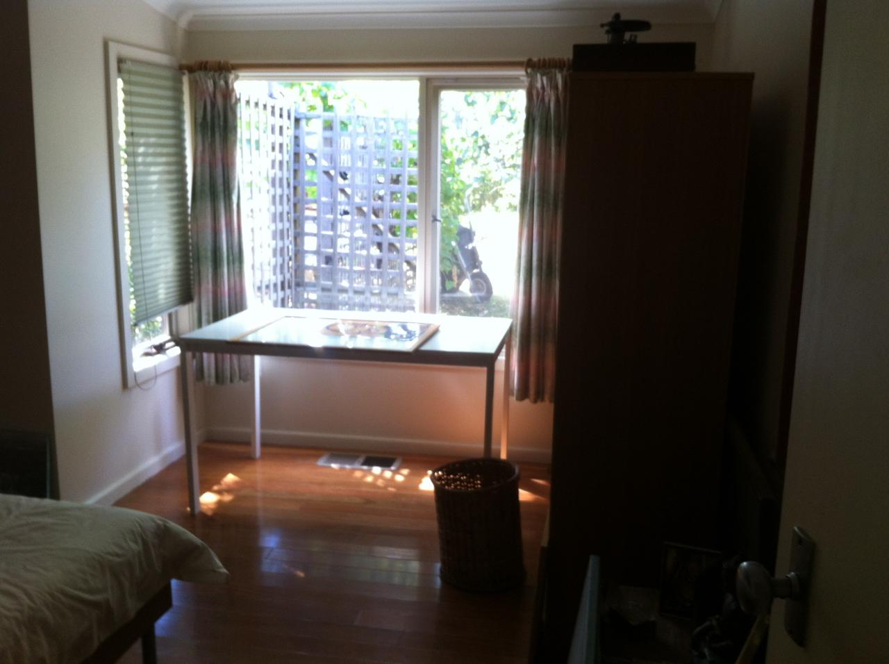 212 bedroom 3 bef.jpg