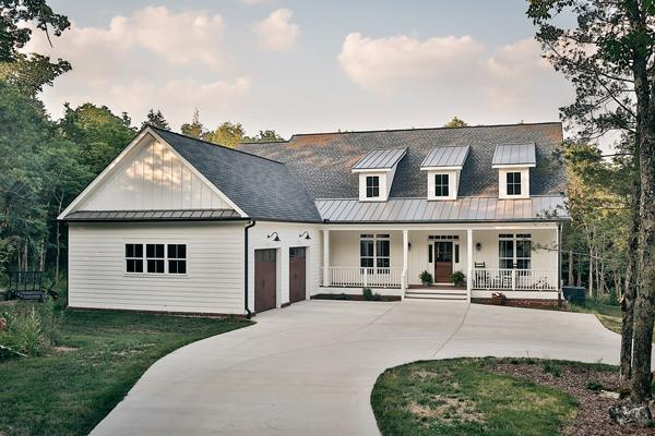 modern farmhouse.jpg