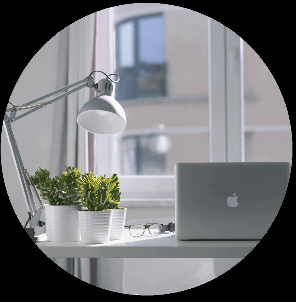 Mac-&-lamp (3) copy.png
