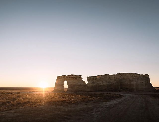 I first heard of Monument Rocks a couple years ago and thought that I'd never justify a trip to visit, since its in the middle of nowhere, Kansas. Fast forward to now, work brought us within an hour of it so we had to check it out.