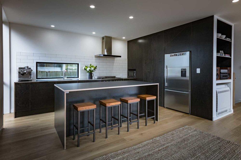Black+plywood+kitchen+island+bench.jpg