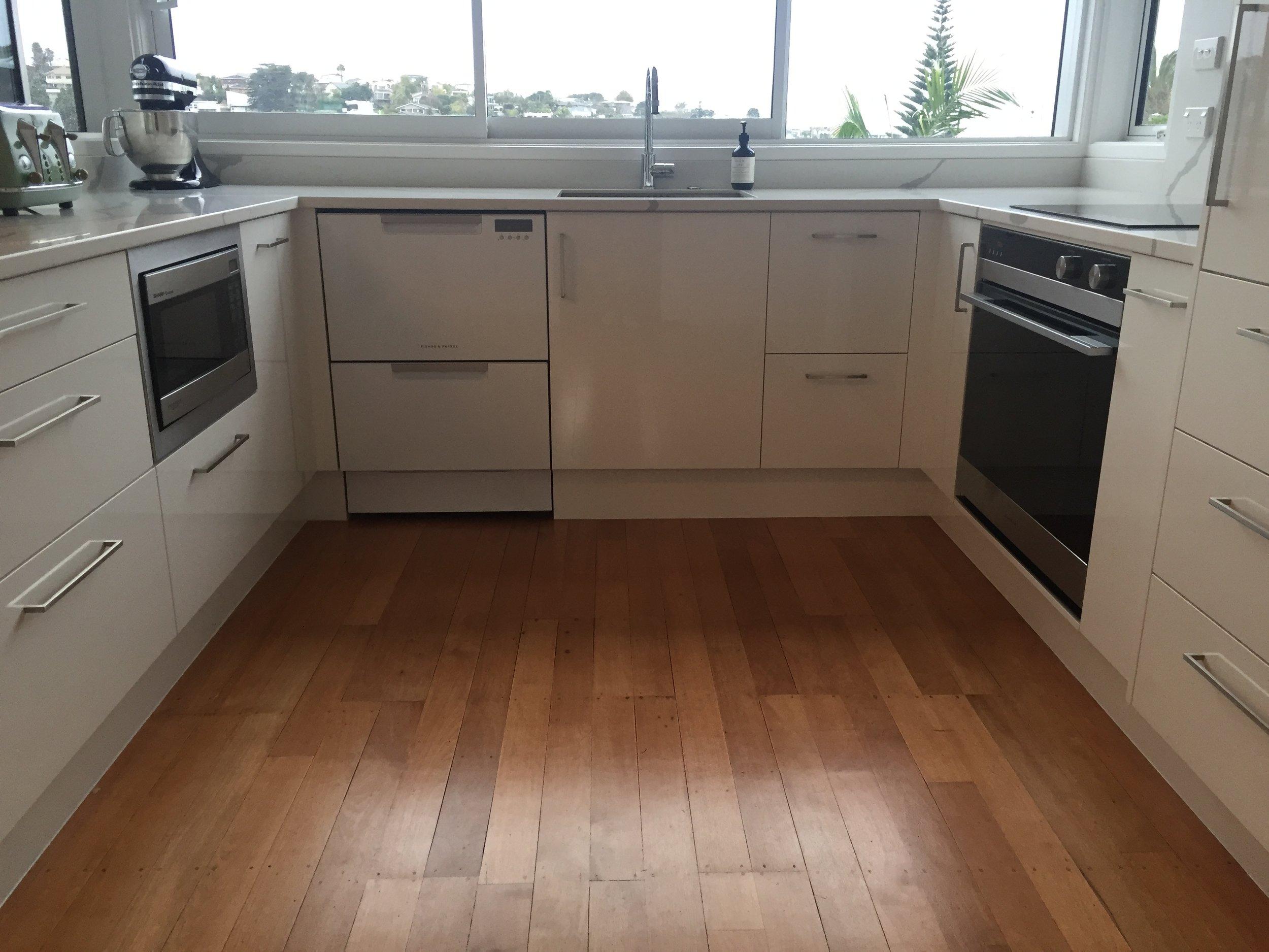 White Kitchen - Murrays Bay 04 blog.jpeg