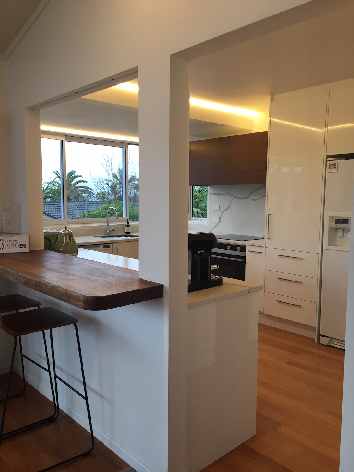 White Kitchen - Murrays Bay 01 blog.jpeg