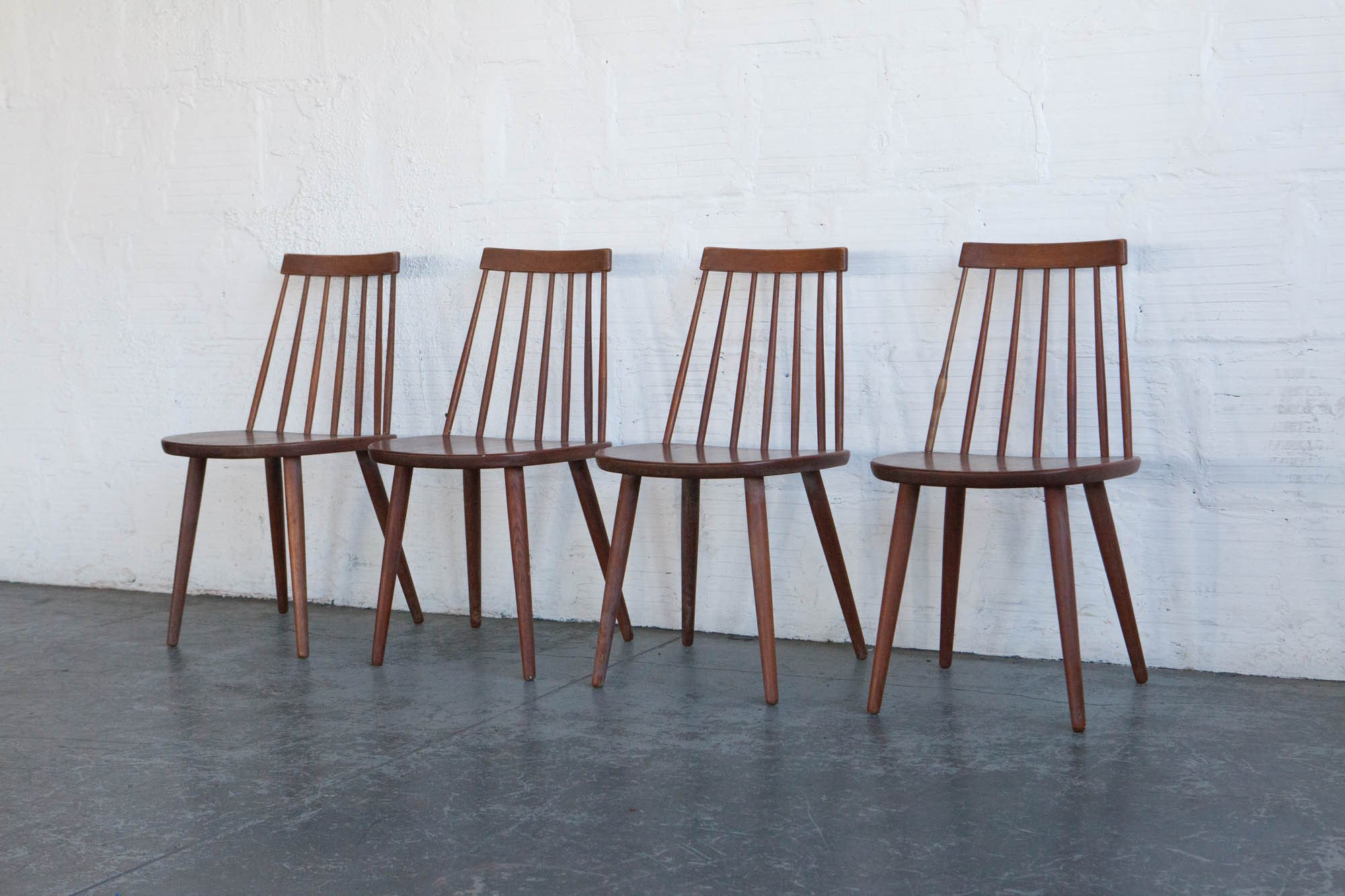 I was inspired for this tutorial by these beautiful Swedish mid century modern spindle back chairs. These were designed by Yngve Ekström in 1958.
