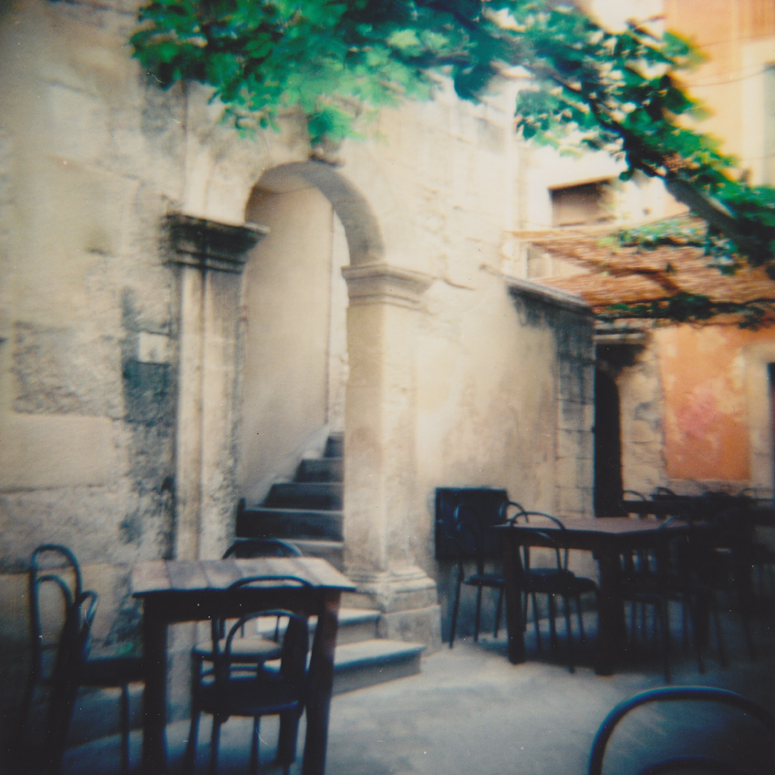 Camera: Diana F+  Film: Lomography CN 100  Location: Siracusa, Italy