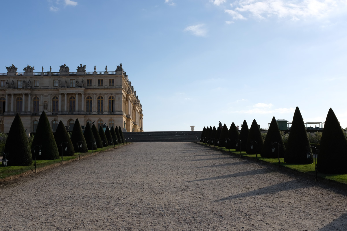 Versailles Palace Late afternoon.jpg