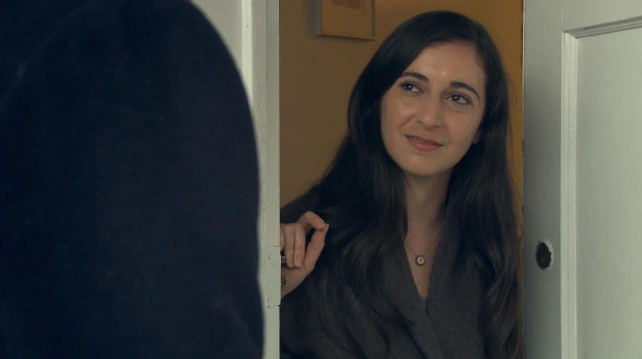Dunya, Leyla's sister (Aysan Celik)