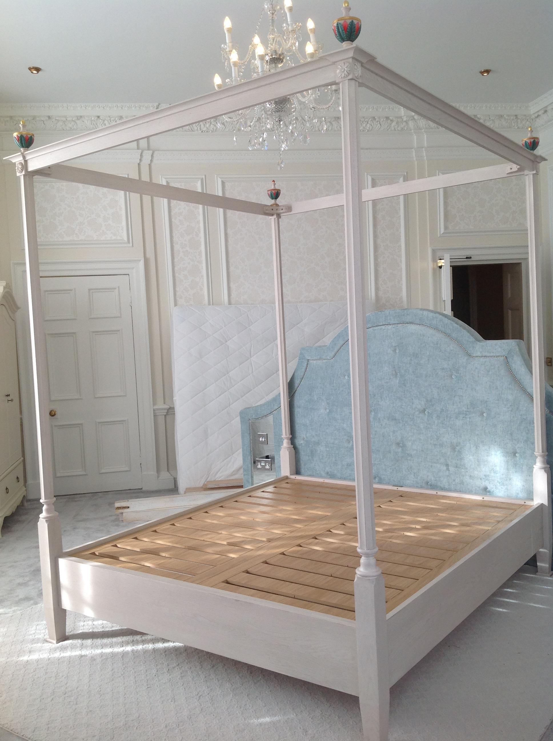 4 Honeymoon suite bed.JPG