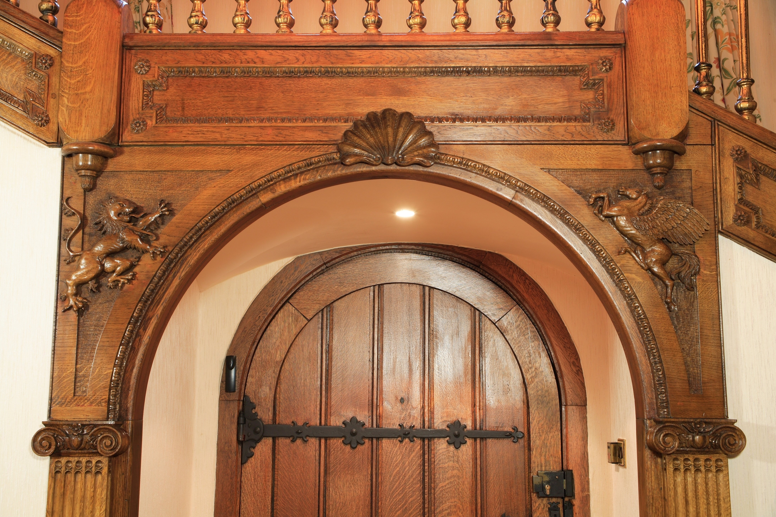 8 GRAND CARVED DOOR.JPG