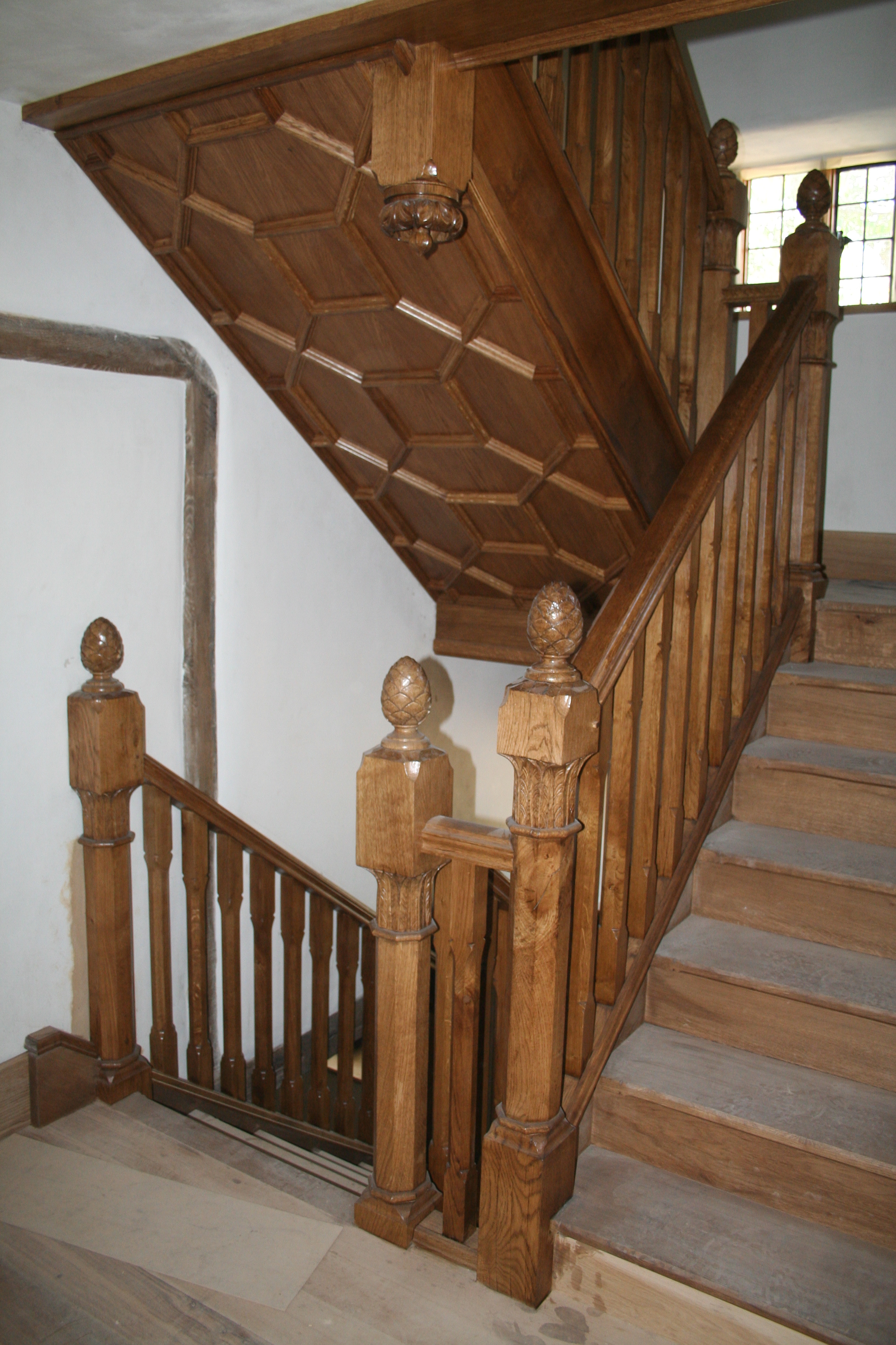 1 OAK STAIRCASE .JPG