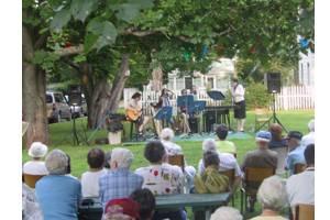 Concerts-in-the-Garden2.jpg