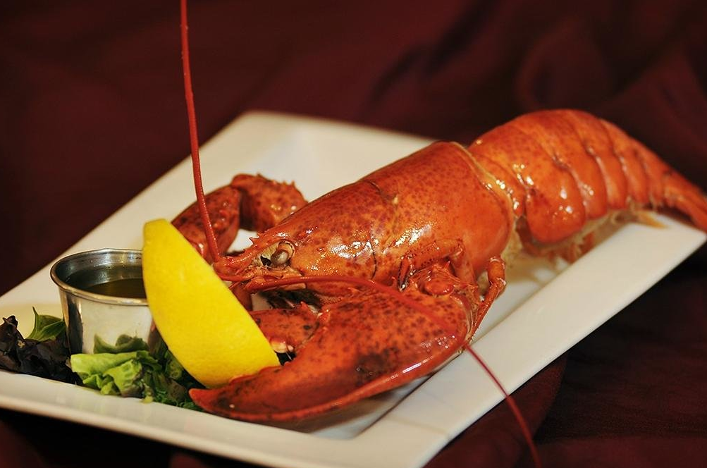 Where can I eat lobster in Summerside?