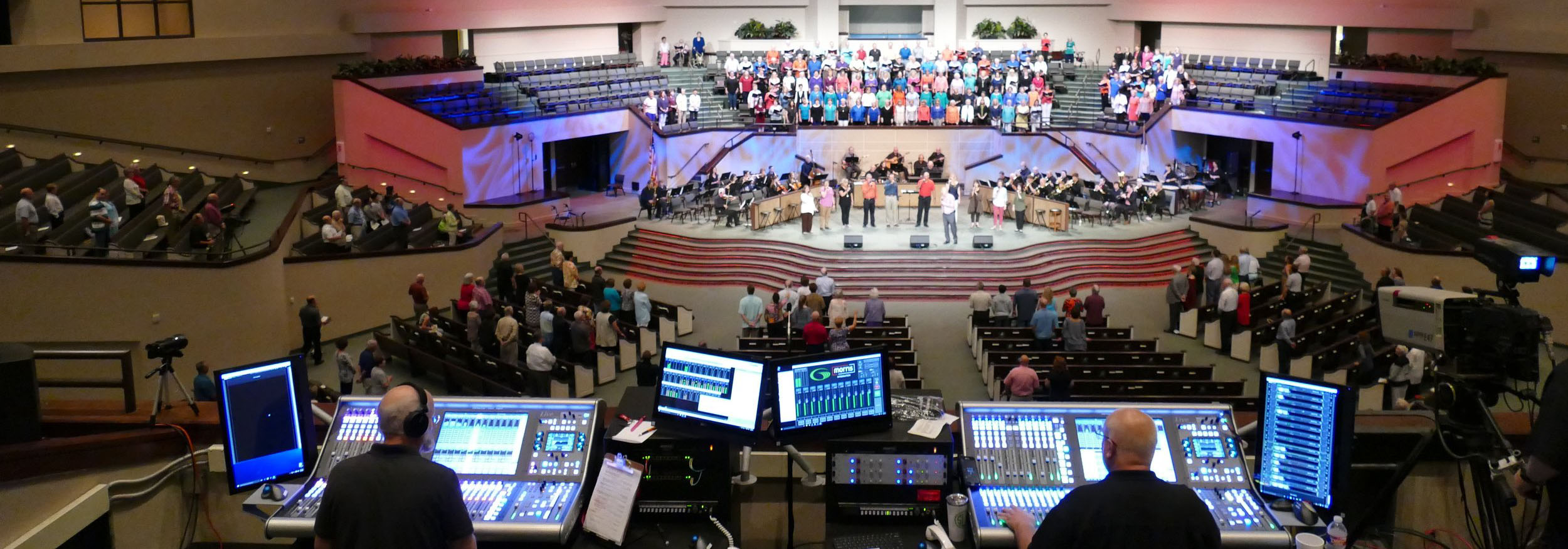 Green Acres Baptist Church: - Creating a consistent experience for a huge congregation.
