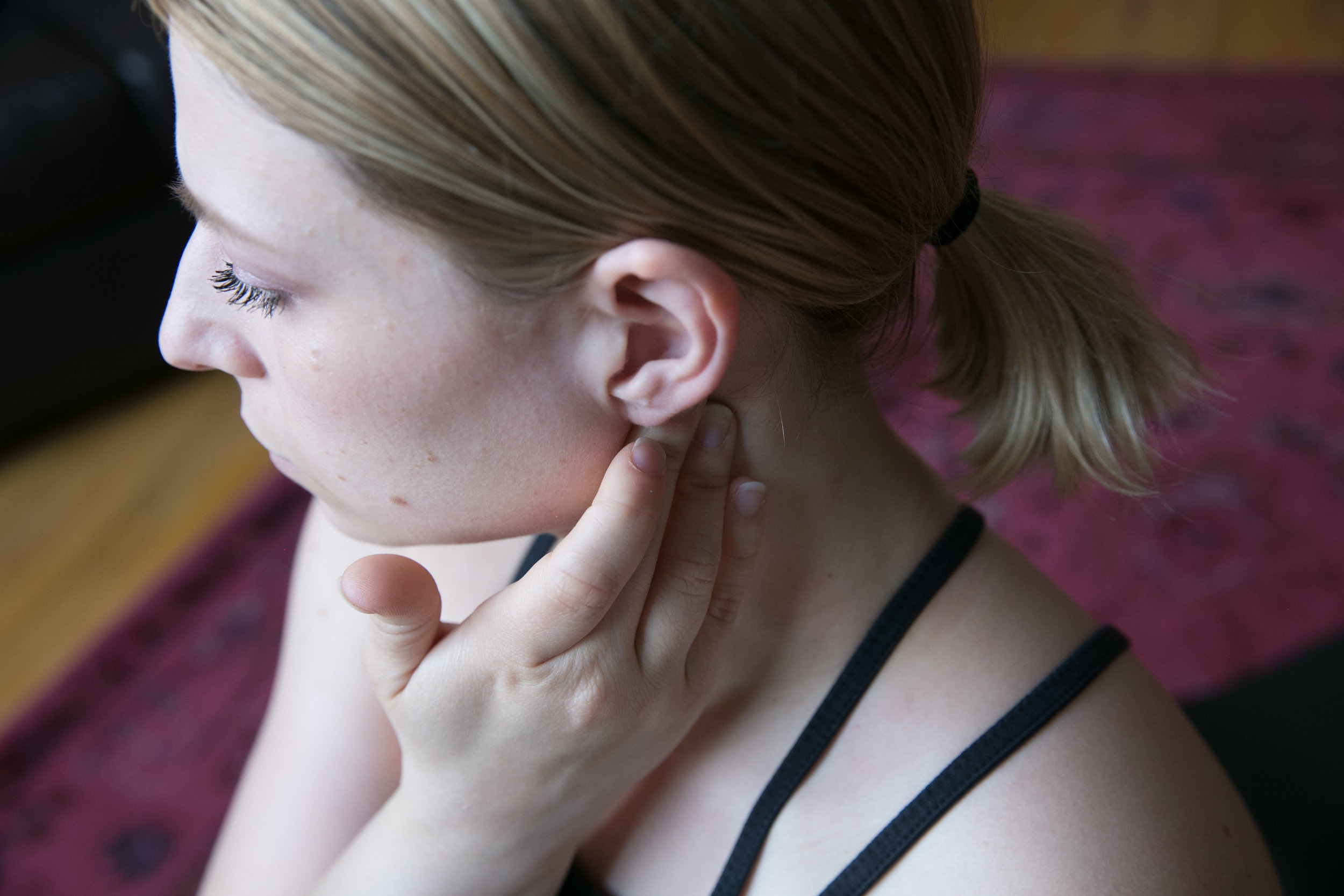 1. - Continue the previous exercise, but work your way all the way up behind your ear.