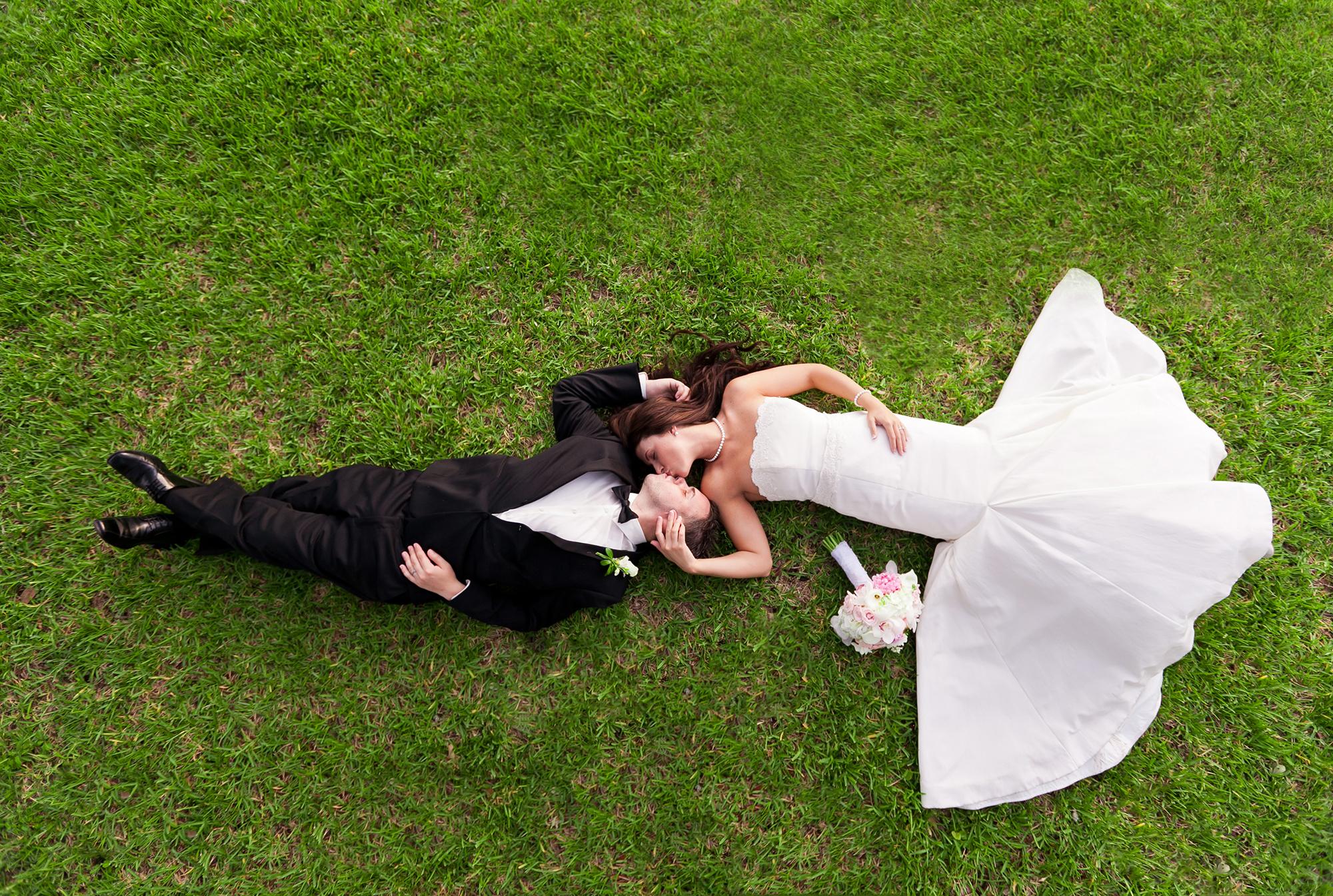 adam-szarmack-bride-groom-kiss-above.jpg