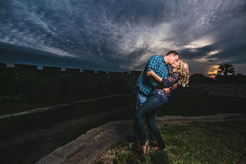 adam-szarmack-engagement-fort-dip-kiss.jpg