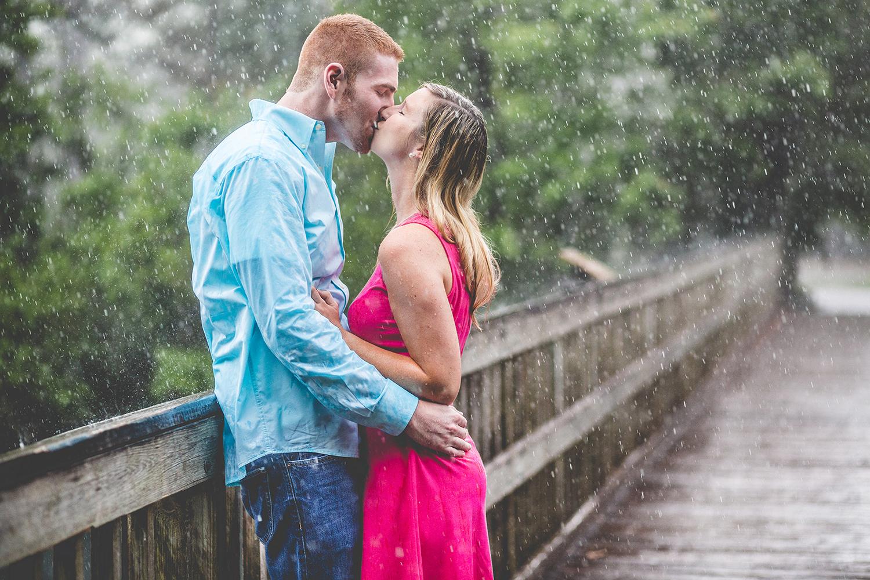 adam-szarmack-engagement-rain-kiss.jpg