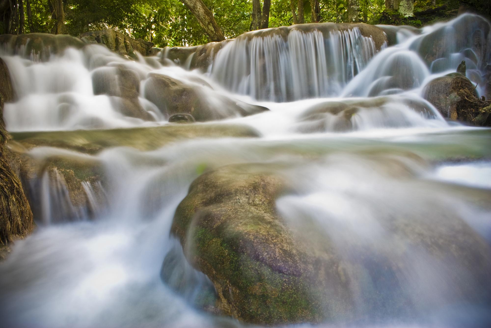 adam-szarmack-landscapes-jamaica-dunns-river-falls.jpg