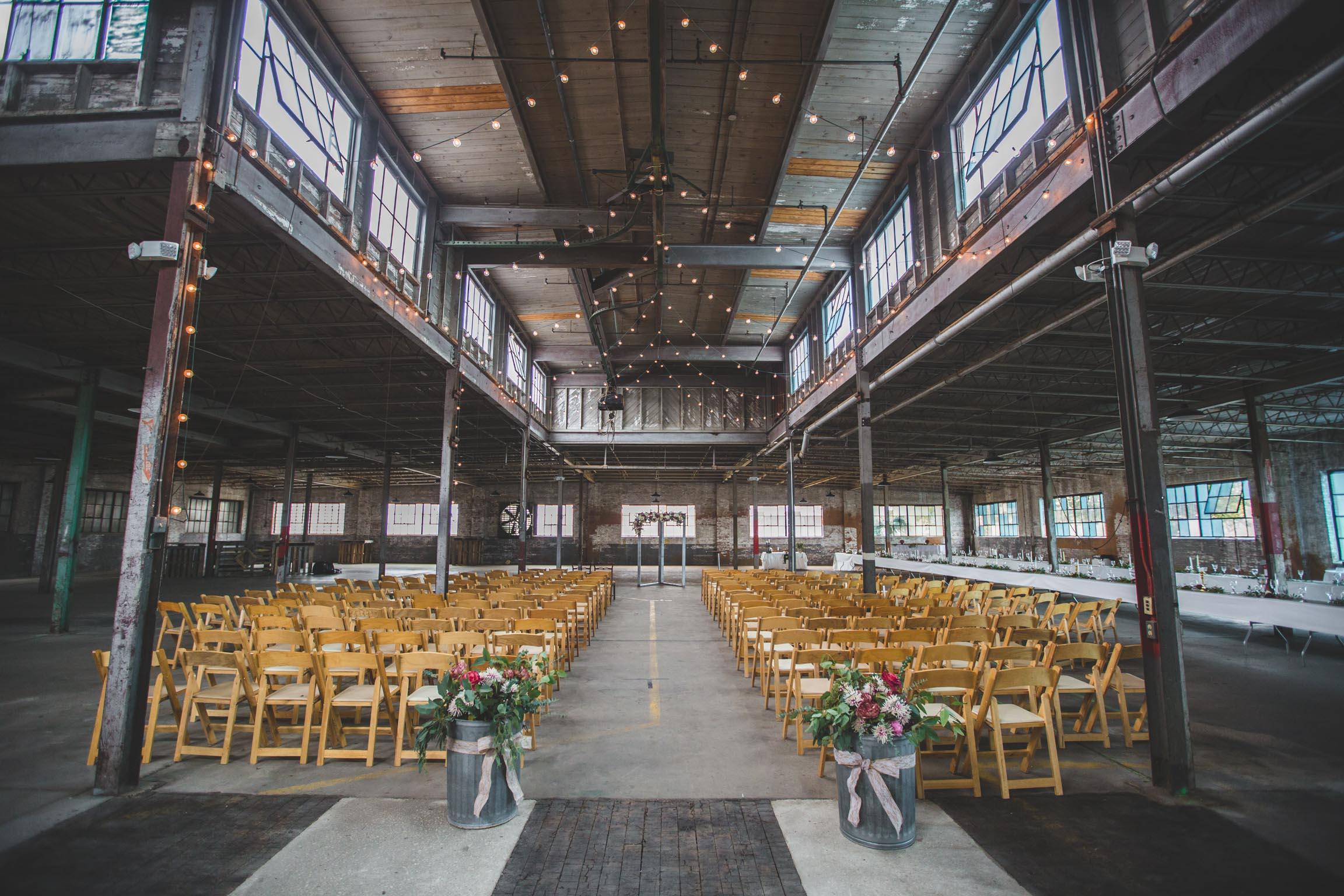 Adam-Szrmack-The-Glass-Factory-Wedding-18.jpg