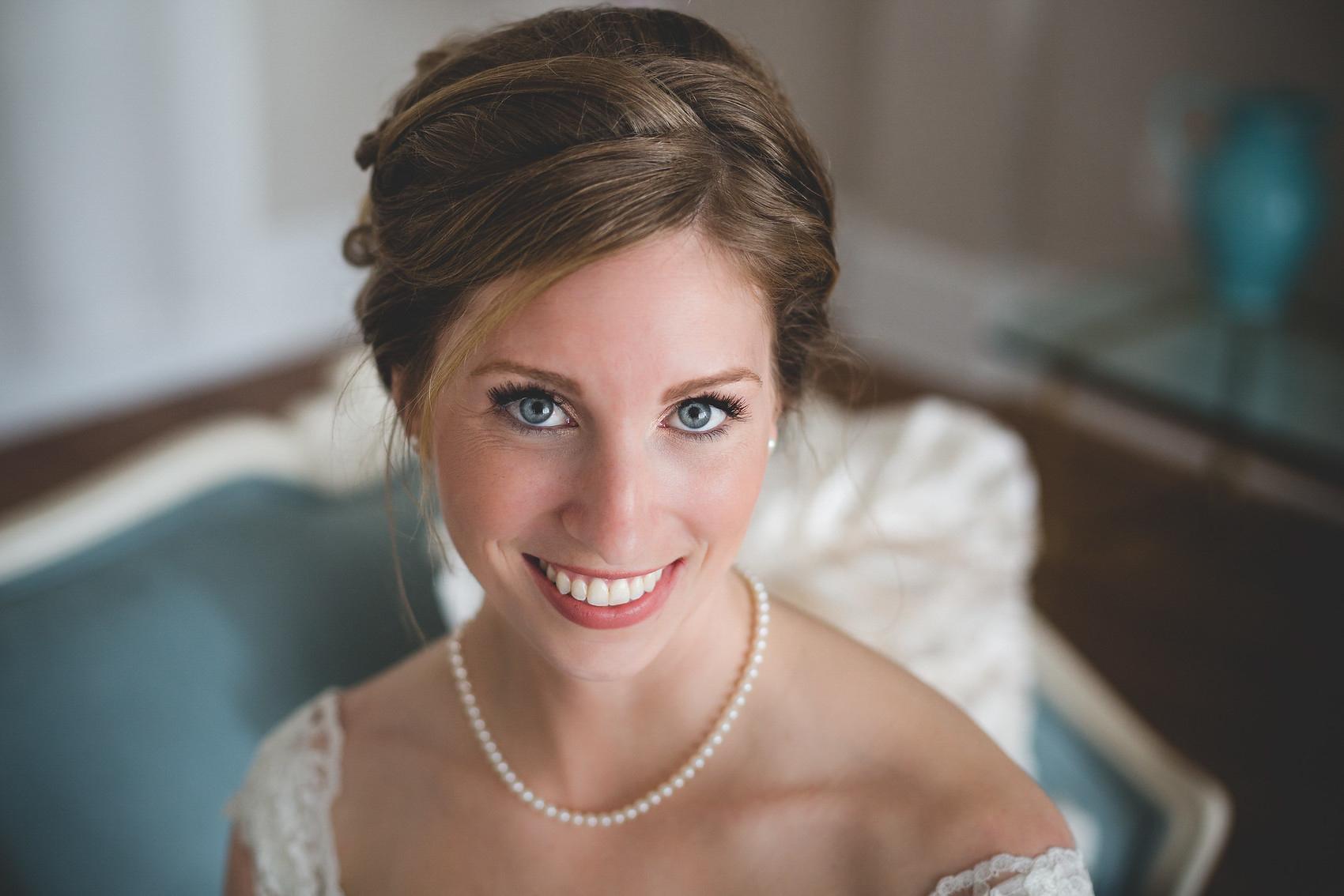 Adam-Szrmack-Bowing-the-white-room-st-augustine-wedding-photographer-27.jpg