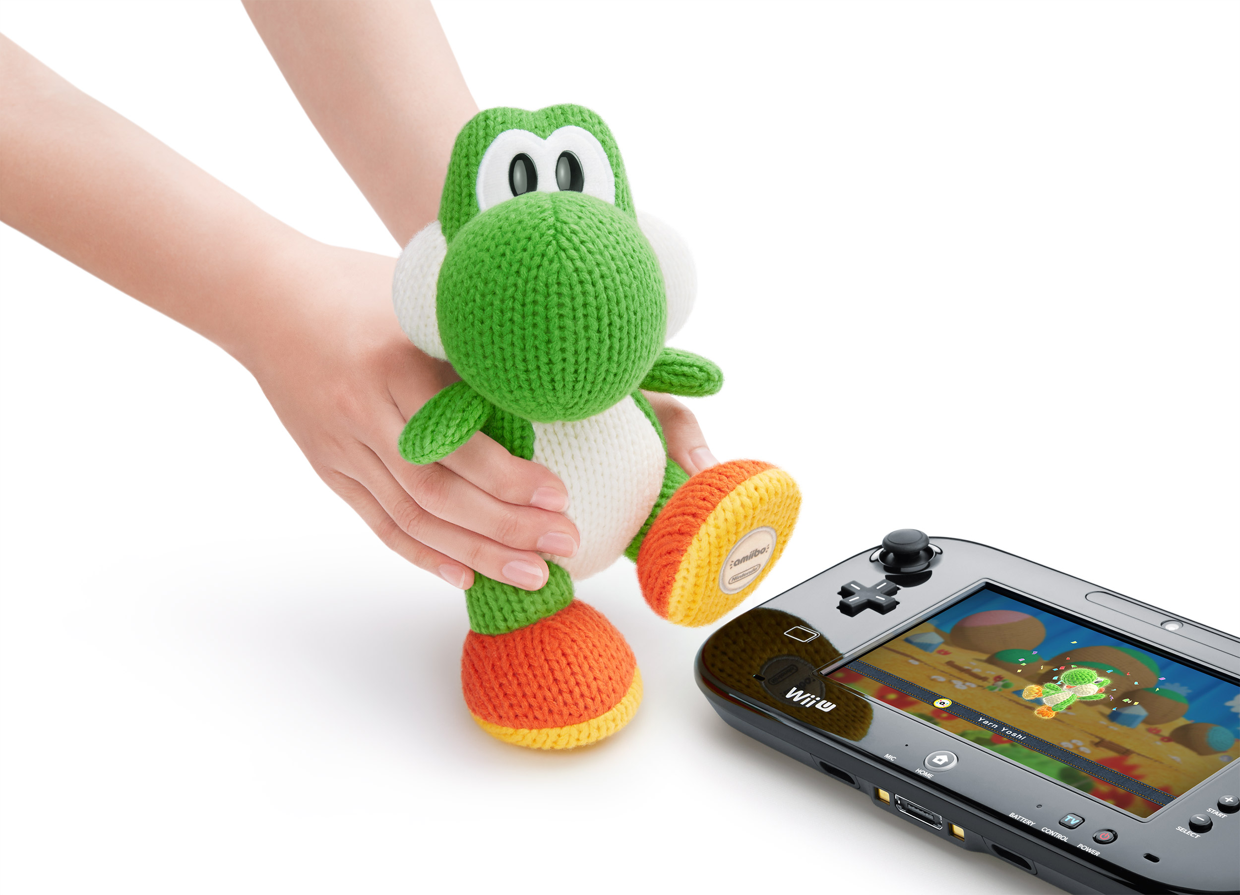 Look at his cute little Amiibo foot, dont'cha just want to eat him up!
