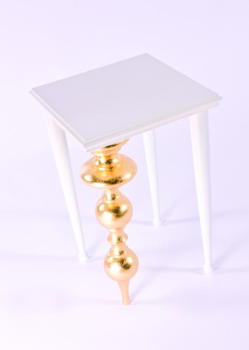 Coruna Table Group