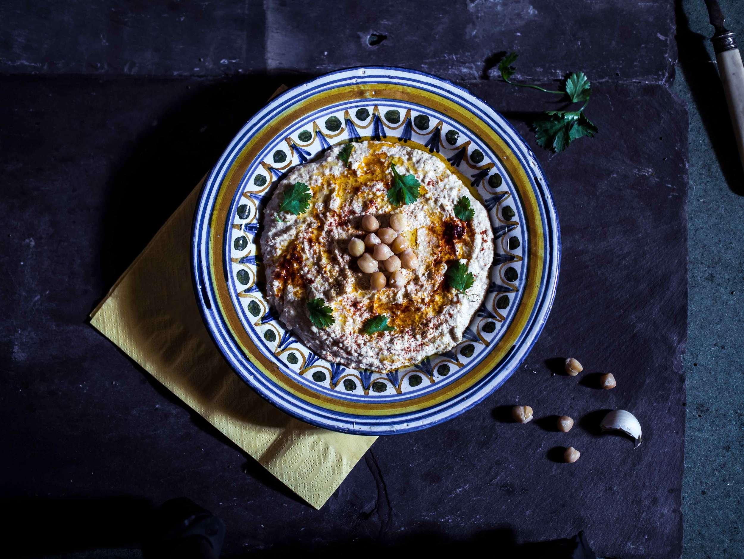 Hummus Dark Food Photography | Discover Delicious | Vegan Food Blog