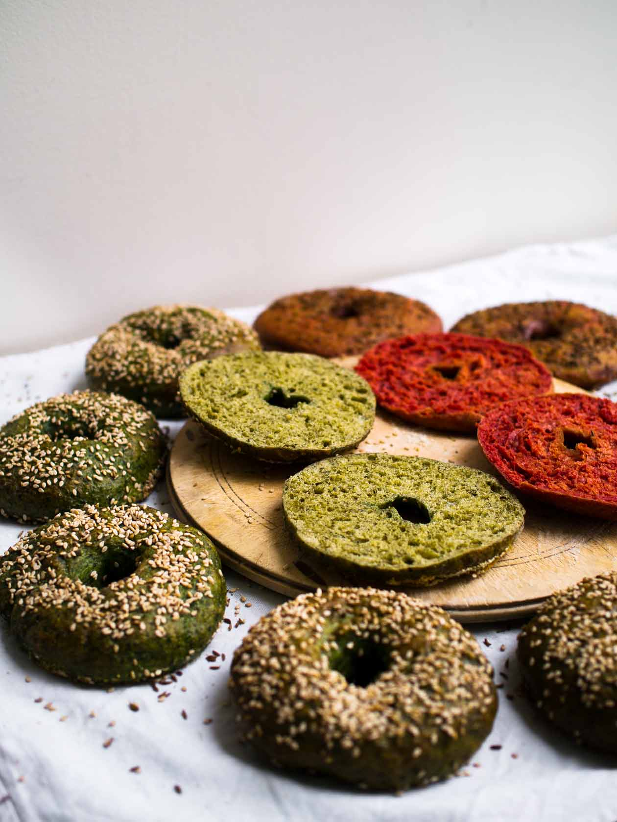Spinach & Beetroot Bagels | Discover Delicious | www.discoverdelicious.org | Vegan Food Blog