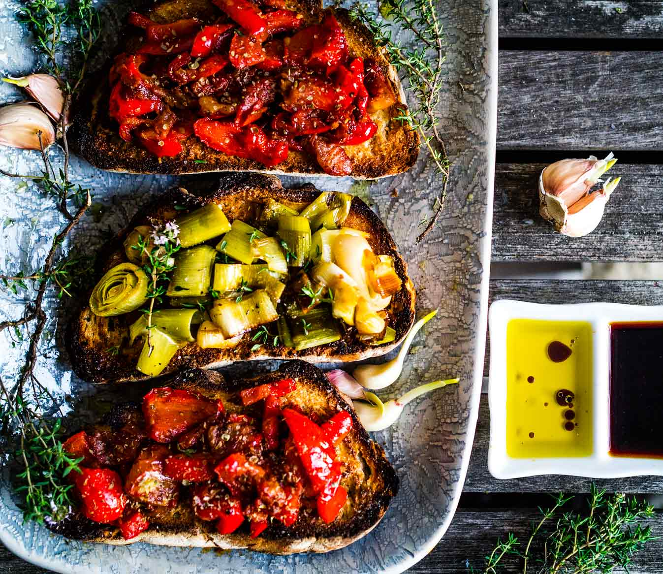 Leek and Tomato + Red Pepper Bruschette | Discover Delicious | www.discoverdelicious.org | Vegan Bruschetta