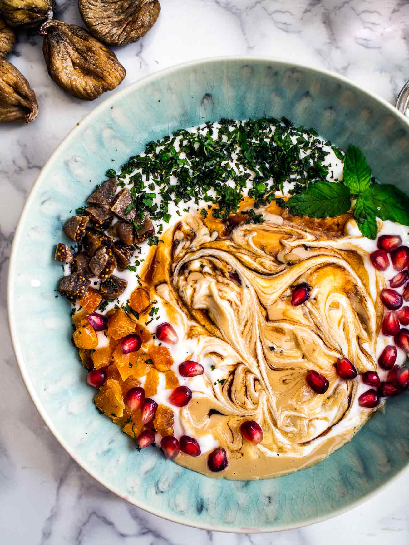 Pomegranate and Tahini Breakfast Bowl [Vegan] | Discover Delicious | www.discoverdelicious.org