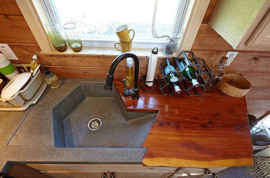 Weav Kitchen sink.JPG