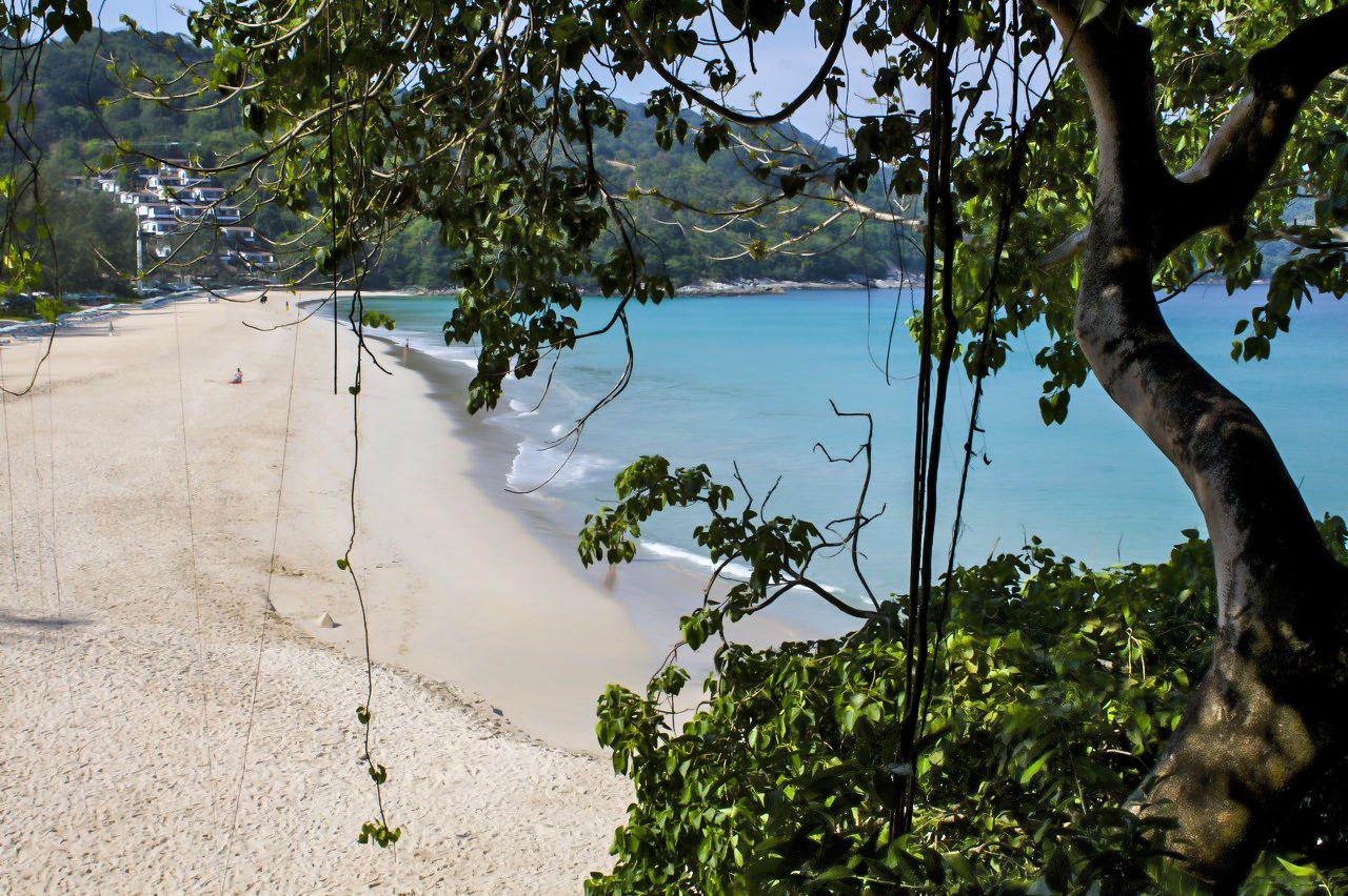 Kata Noi Beach.jpg