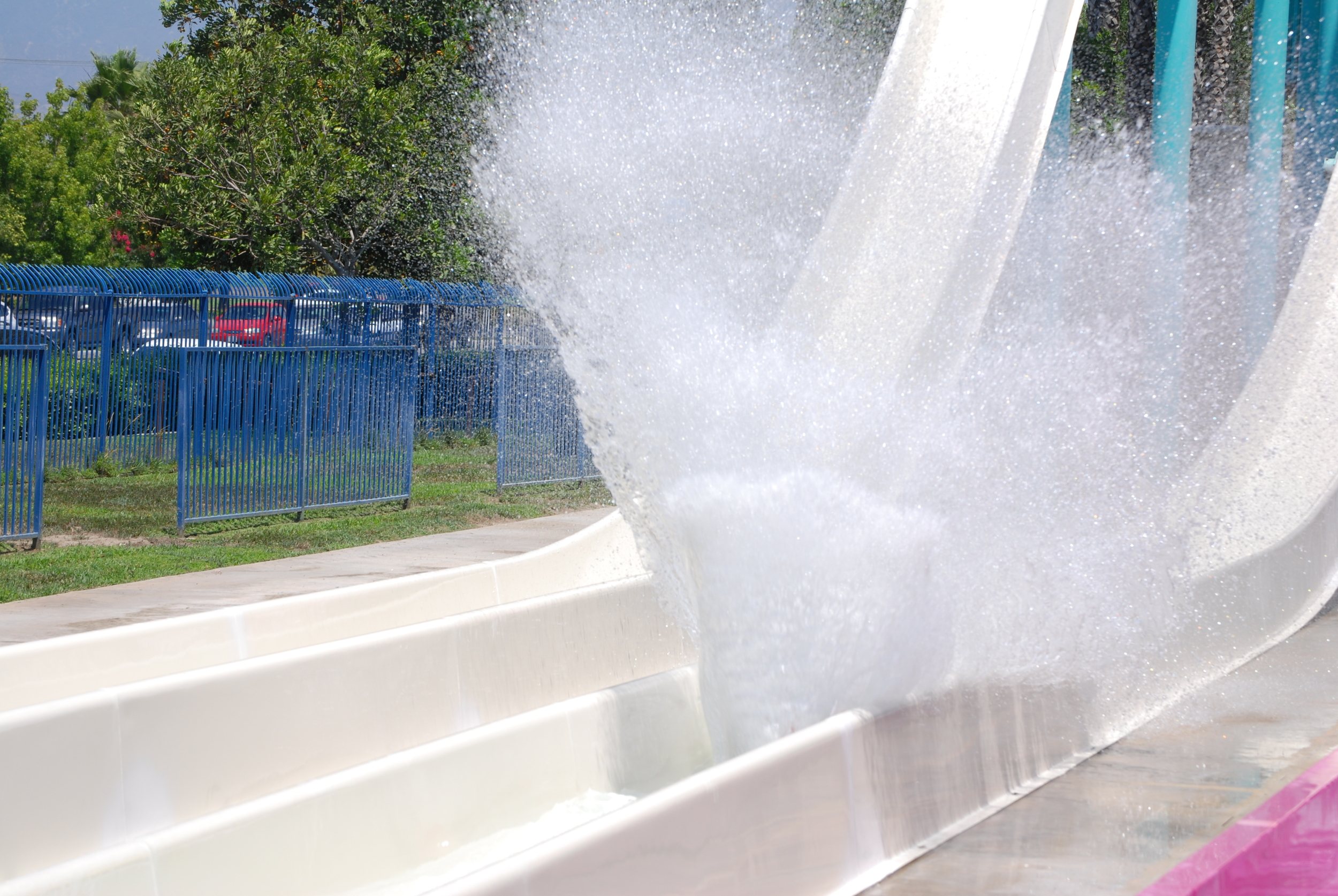 """Ramses' Rocket sends riders down 400 feet of refreshing water in less than 12 seconds -- thrill-lovers rejoice! Minimum Rider Height: 48"""""""