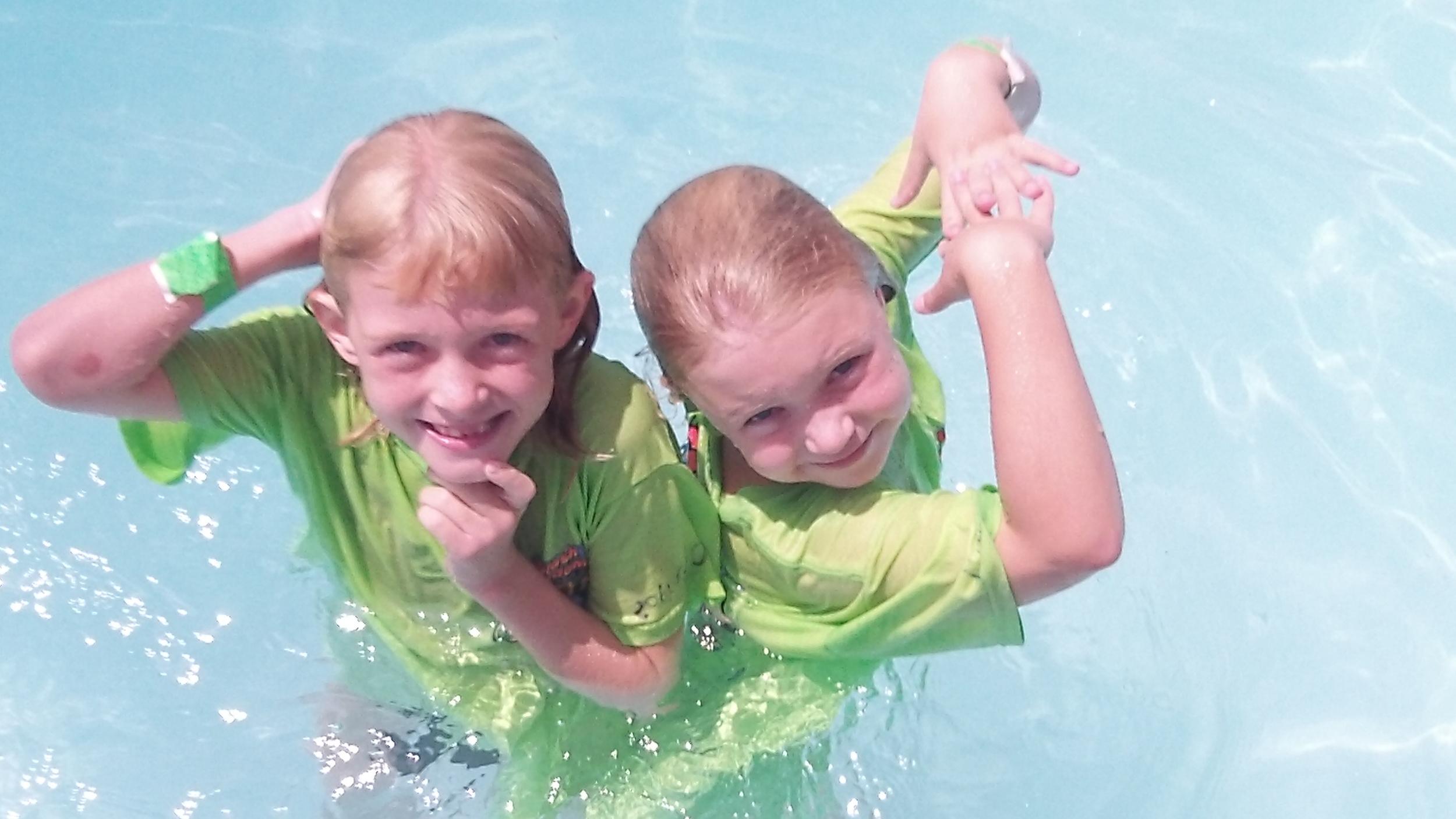 Siblings + Splashes. Oh yeah!