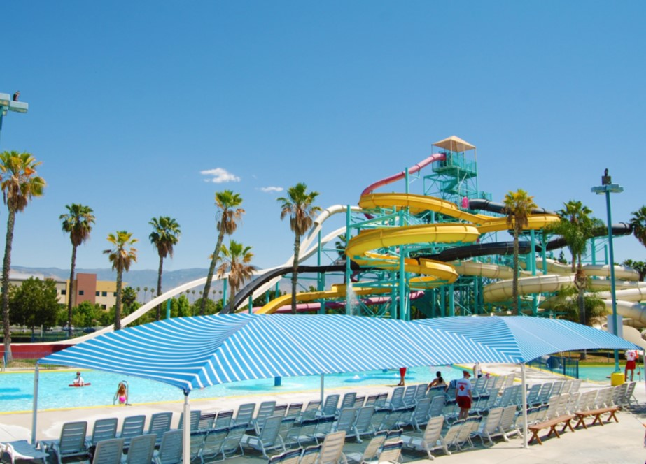 """Simulating 17,000 square feet of ocean-like waves, Castaway Cove brings the beach to the Inland Empire! Relax with the entire family without the hassle of parking, sand, or sharks! Lifejackets required for those under 48"""". Parental accompaniment required for those under 42""""."""