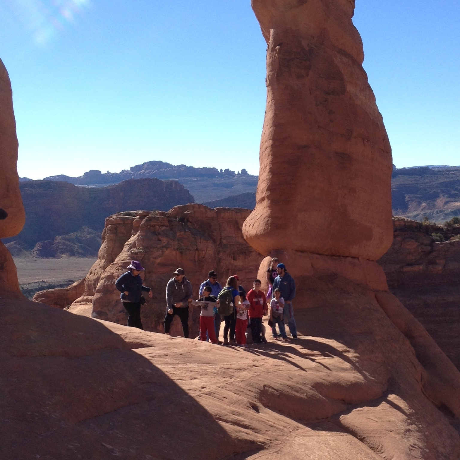 kids at delicate arch