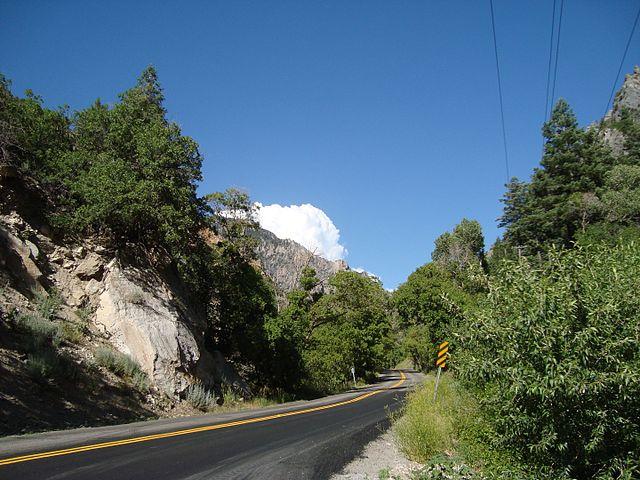Alpine_Scenic_Highway,_Utah_-_panoramio_(1).jpg