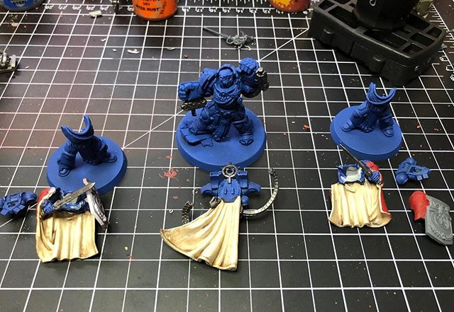 Getting some base colors on them macragge boys. I dont feel as dirty painting ultras after reading Mark of Calth... but my true love will always be Crimson Fists. They will be coming soon.