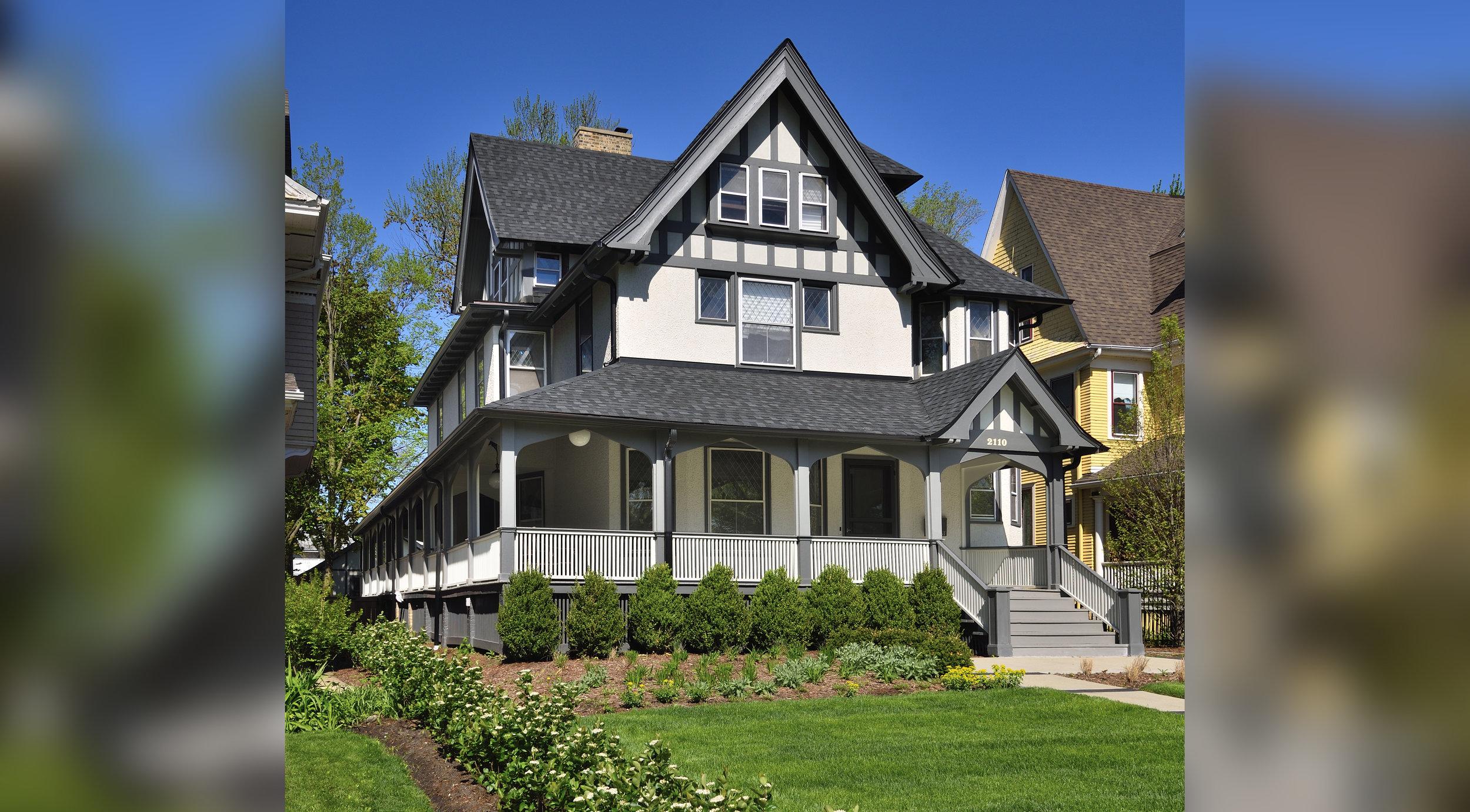 Orrington Avenue Residence