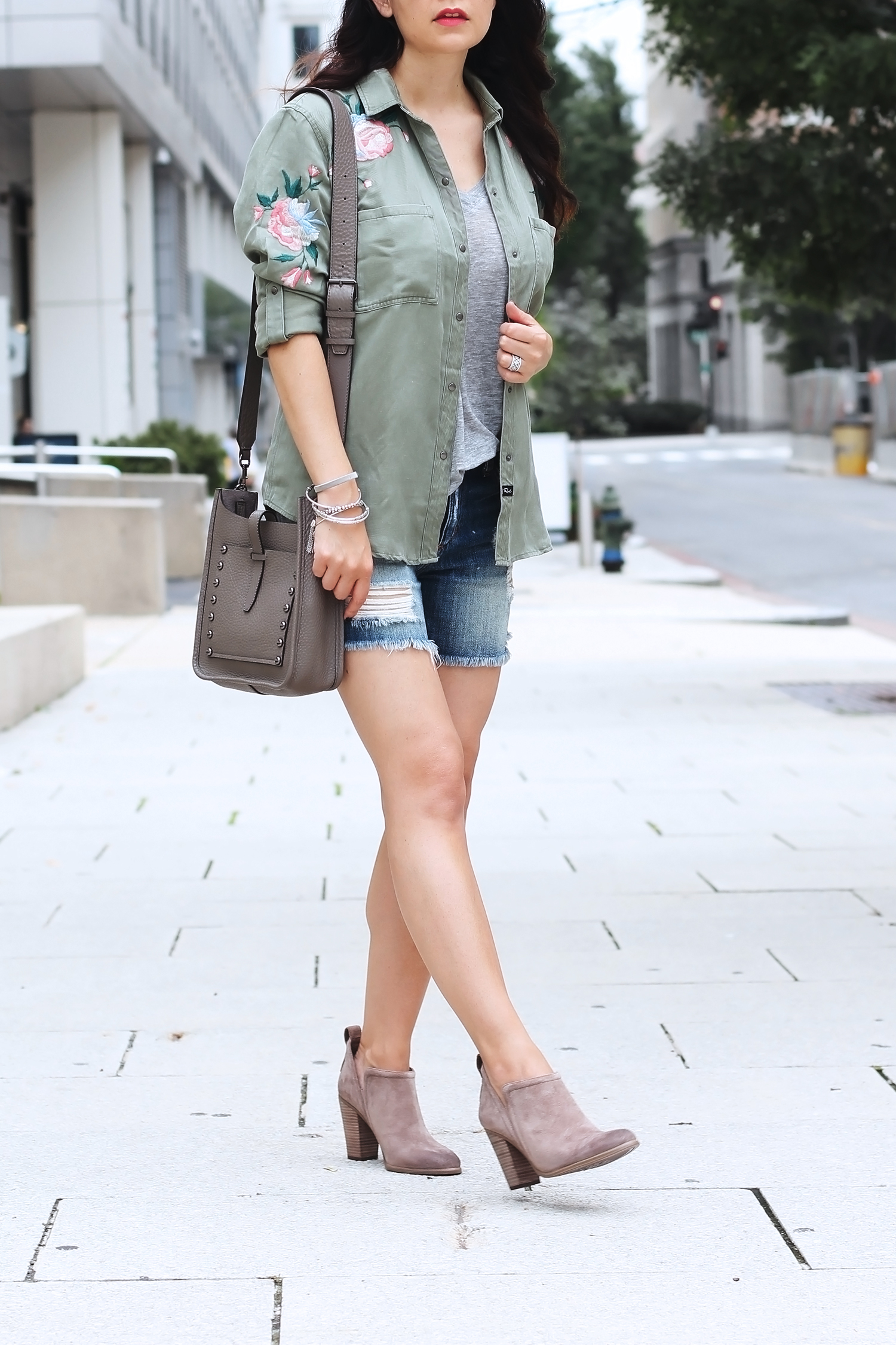 Ankle boots and cut-off shorts outfit